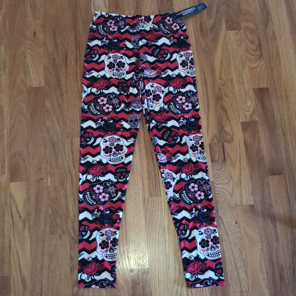 2b2d95b8c0861 NEW Skull Leggings NWT